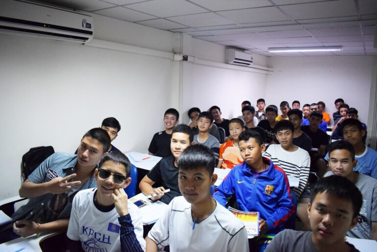 บรรยากาศคอร์สติวสอบโรงเรียนช่างการไฟฟ้าส่วนภูมิภาค 2561
