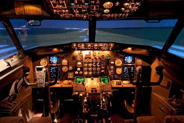 การคิดชั่วโมงบิน เราคิดกันอย่างไร? แล้วทำไม นักบินถึงบินเยอะๆไม่ได้